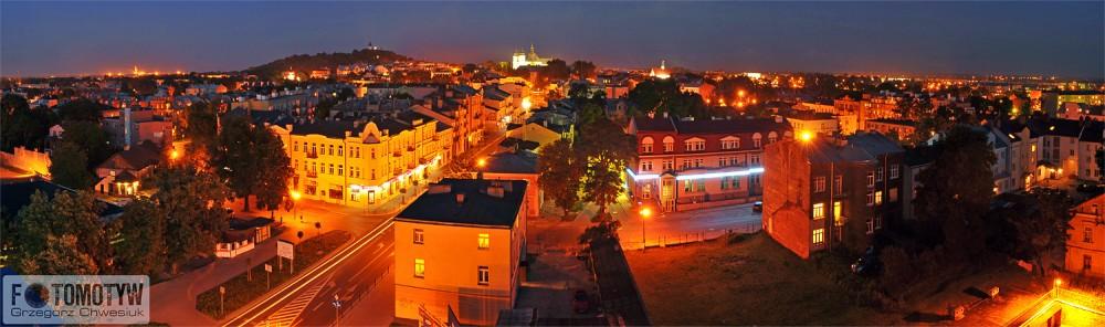 Panorama Chełma nocą