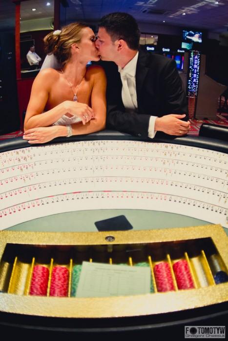 hazardowa sesja ślubna