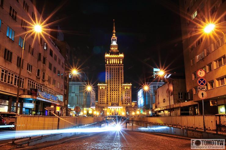 Warszawa - Pałac Kultury i Nauki nocą